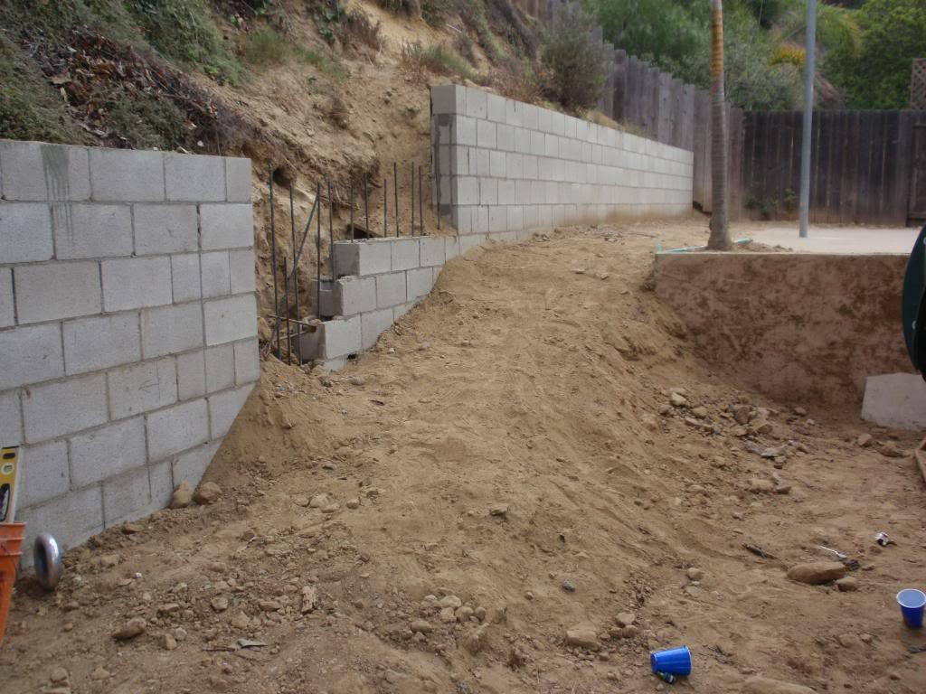 San diego paverscape landscape construction retaining walls Cinder block retaining wall